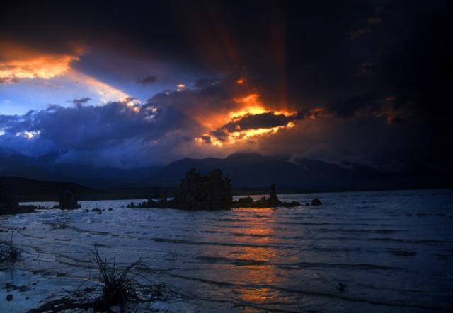 Mono Lake sunset light beams