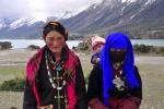 Tibet, two Tibetan girls and baby at Rawok Tso lake