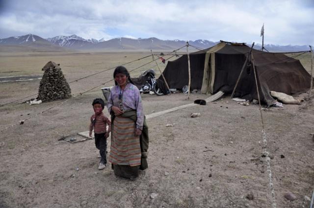 Tibet, nomads near Nam Tso Lake